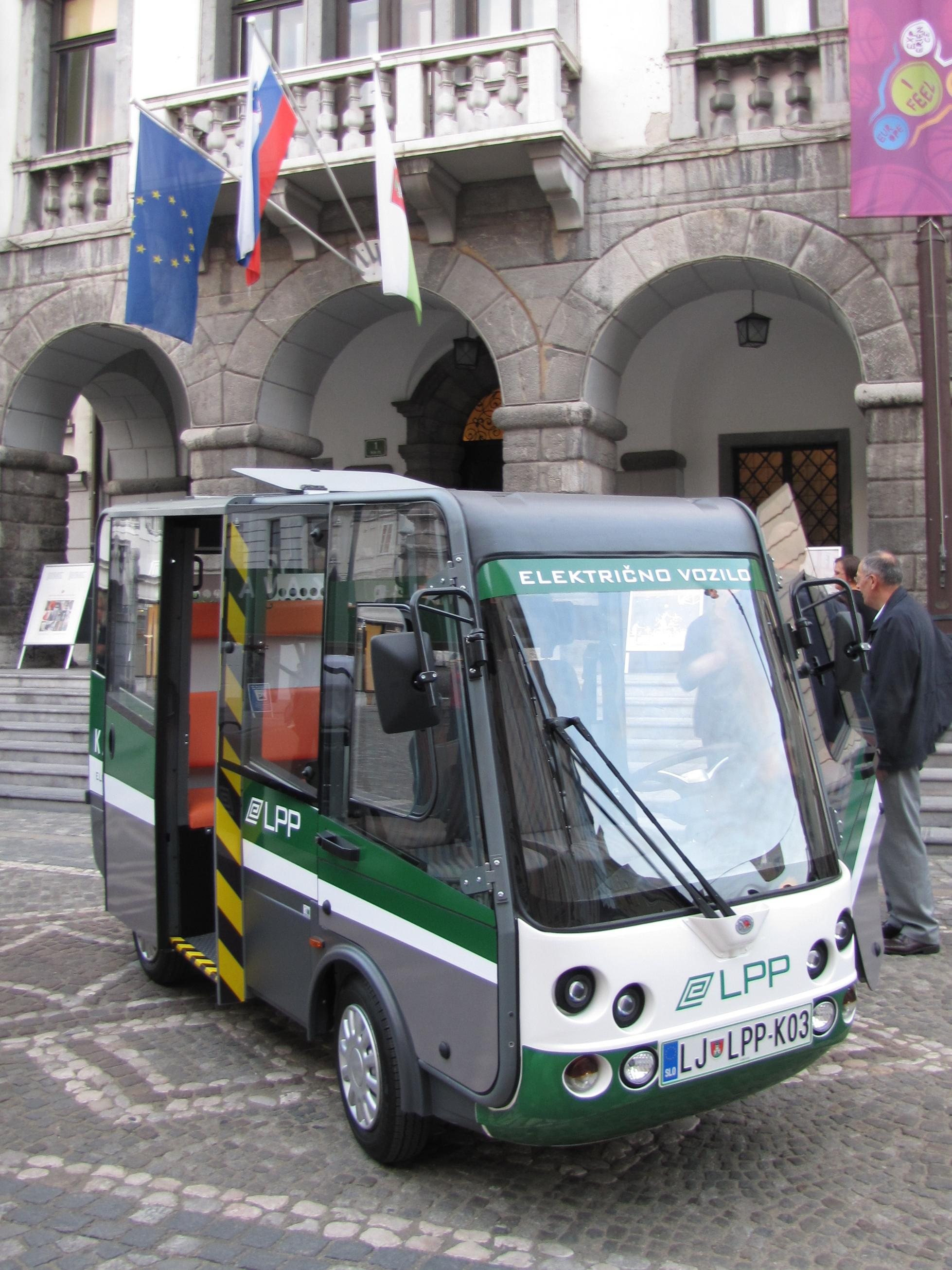 Electric bus Geco and Grifo