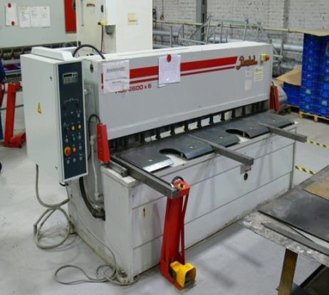 Hydraulic bending machine with programmed numerical control (90 ton)