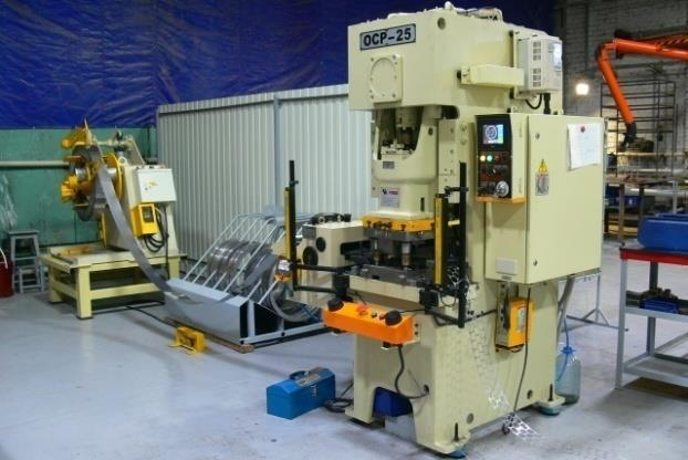 Universal drilling, milling machine